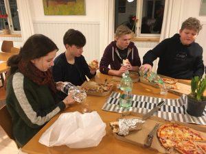 Pizza og præst @ Mødesalen